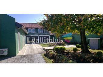 https://www.gallito.com.uy/casa-de-5-dormitorios-en-gran-terreno-y-con-gran-barbacoa-inmuebles-15545167