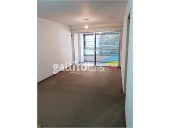 https://www.gallito.com.uy/apartamento-en-pocitos-a-una-cuadra-de-la-rambla-inmuebles-15619876