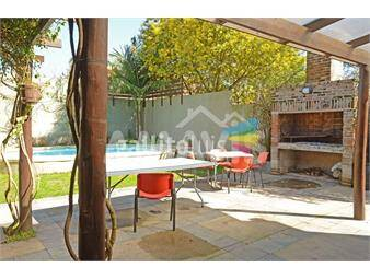https://www.gallito.com.uy/casa-con-piscina-y-pieza-independiente-en-zona-tranquila-inmuebles-14249352