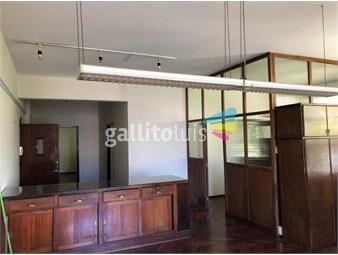https://www.gallito.com.uy/oficina-estudio-piso-4-al-frente-sobre-calle-paysandu-inmuebles-16380836