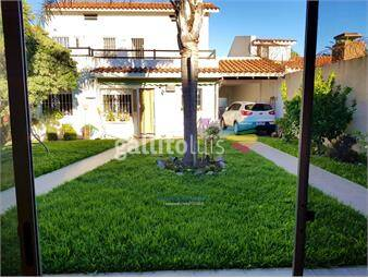 https://www.gallito.com.uy/hermosa-residencia-a-pasitos-de-la-rambla-inmuebles-16552836