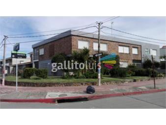 https://www.gallito.com.uy/casa-esquina-en-excelente-ubicacion-pempresa-o-vivienda-inmuebles-16797442