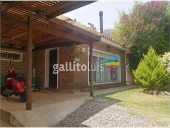 https://www.gallito.com.uy/casa-en-shangrila-sobre-calcagno-a-mts-de-la-playa-inmuebles-16801634