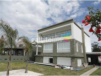 https://www.gallito.com.uy/espectacular-residencia-de-cara-al-mar-inmuebles-16821867