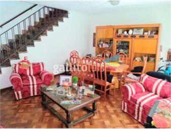 https://www.gallito.com.uy/casa-grande-en-malvin-a-mts-del-mar-inmuebles-16827112