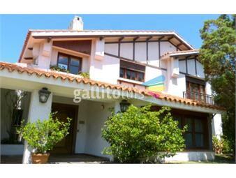 https://www.gallito.com.uy/venta-casa-carrasco-cinco-dormitorios-fondo-garaje-piscina-inmuebles-16975914