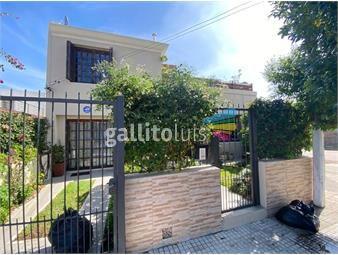 https://www.gallito.com.uy/ayacucho-y-beltran-buena-casa-en-padron-unico-refaccionada-inmuebles-17310618