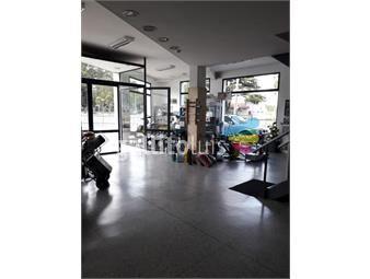 https://www.gallito.com.uy/excelente-local-esquina-ideal-venta-insumos-industriales-inmuebles-17482363