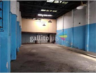https://www.gallito.com.uy/local-140-m2-a-pasos-de-la-terminal-tres-cruces-inmuebles-17604665