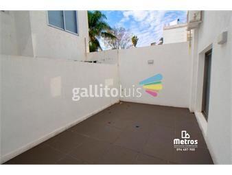 https://www.gallito.com.uy/patio-soleado-garaje-box-a-100mts-rambla-bajos-gastos-inmuebles-17626536