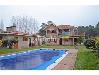 https://www.gallito.com.uy/ideal-para-2-familias-2-plantas-independientes-con-piscina-inmuebles-16194006