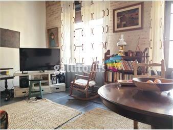 https://www.gallito.com.uy/tipo-casa-en-planta-alta-con-buena-azotea-de-uso-exclusivo-inmuebles-17837309