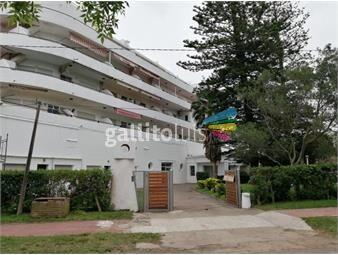 https://www.gallito.com.uy/aparicio-vende-apartamento-en-atlantida-frente-a-la-playa-inmuebles-17837873