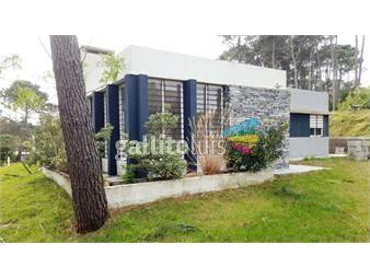 https://www.gallito.com.uy/venta-casa-el-pinar-a-estrenar-3-dorm-suite-piscina-inmuebles-17843228