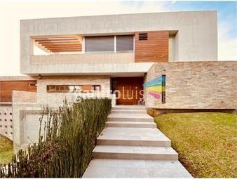 https://www.gallito.com.uy/importante-casa-a-la-venta-en-rivera-carrasco-inmuebles-17861792
