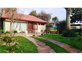 https://www.gallito.com.uy/venta-casa-shangrila-sur-2-casas-en-1-padron-inmuebles-17887681