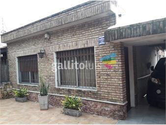 https://www.gallito.com.uy/venta-casa-la-teja-con-cochera-y-piscina-inmuebles-17907966
