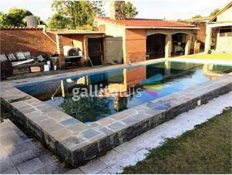 https://www.gallito.com.uy/chalet-de-tejas-barbacoa-piscina-y-pasaje-lateral-de-autos-inmuebles-16229378