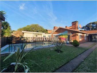 https://www.gallito.com.uy/lebutt-residencia-de-estilo-chalet-tejas-inmuebles-17991885