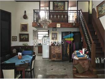 https://www.gallito.com.uy/casa-muy-amplia-ideal-residencial-instituto-inversores-etc-inmuebles-18002222