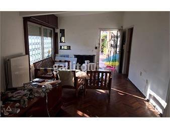 https://www.gallito.com.uy/venta-casa-malvin-tres-dormitorios-dos-baños-garaje-permuta-inmuebles-17737993