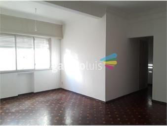 https://www.gallito.com.uy/apartamento-en-el-centro-inmuebles-18078966