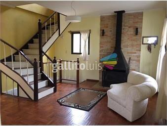 https://www.gallito.com.uy/venta-casa-carrasco-5-dormitorios-3-baños-jardin-patio-inmuebles-18091948