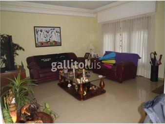 https://www.gallito.com.uy/gran-casa-a-metros-de-rambla-457-m2-y-278-m2-construidos-inmuebles-18093312