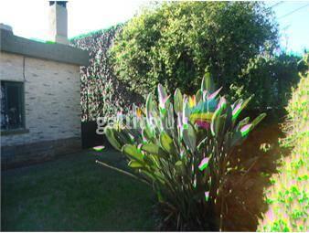 https://www.gallito.com.uy/casa-con-gran-jardin-al-frente-inmuebles-18093387