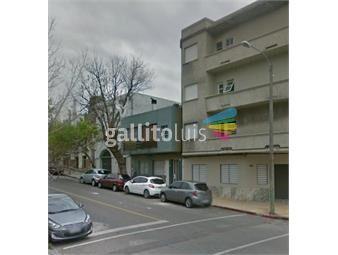 https://www.gallito.com.uy/apartamento-en-barrio-sur-inmuebles-18168071