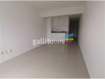 https://www.gallito.com.uy/pleno-centro-a-pasos-de-la-rambla-inmuebles-18168855