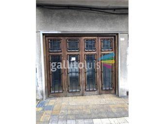 https://www.gallito.com.uy/amplia-padron-unico-garage-a-pasos-de-la-rambla-en-2-niveles-inmuebles-17968527
