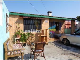 https://www.gallito.com.uy/casa-al-frente-con-dos-apartamentos-al-fondo-inmuebles-18367378