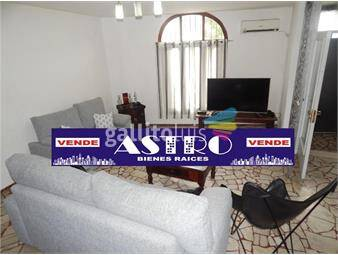 https://www.gallito.com.uy/casa-cuatro-dormitorios-pocitos-con-garage-inmuebles-14587506
