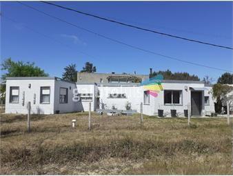 https://www.gallito.com.uy/alquiler-casa-4-dormitorios-el-pinar-sur-inmuebles-18423490