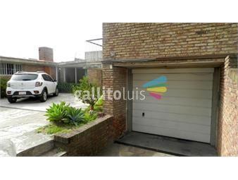https://www.gallito.com.uy/venta-malvin-casa-cuatro-dormitorios-3-baños-garaje-barbacoa-inmuebles-18448554