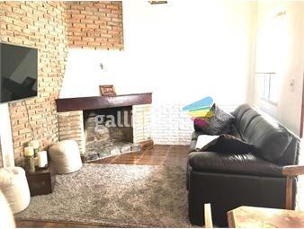 https://www.gallito.com.uy/venta-casa-4-dormitorios-con-parrillero-en-tres-cruces-inmuebles-18480943