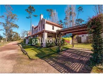 https://www.gallito.com.uy/casa-a-la-venta-en-punta-del-este-en-barrio-privado-inmuebles-18500096