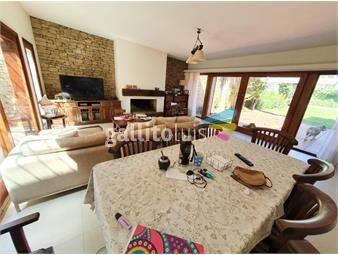 https://www.gallito.com.uy/excelente-residencia-de-estilo-en-excelente-ubicacion-inmuebles-18500357
