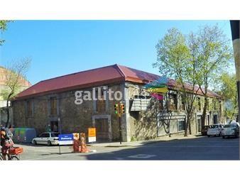 https://www.gallito.com.uy/gran-esquina-600-mt2-12-habitaciones-patio-inmuebles-15417466