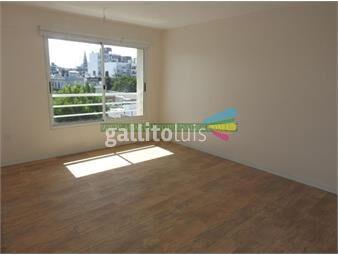 https://www.gallito.com.uy/apartamento-de-2-dormitorios-en-ciudad-vieja-contra-frente-inmuebles-18505899