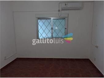 https://www.gallito.com.uy/apartamento-en-alquiler-gral-flores-esq-camino-corrales-inmuebles-18521305