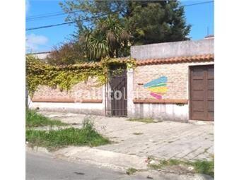 https://www.gallito.com.uy/venta-casa-3-dorm-garaje-2-autos-barbacoa-brazo-oriental-inmuebles-18626278