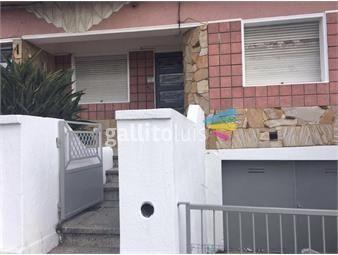 https://www.gallito.com.uy/amplia-casa-con-fondo-y-parrillero-inmuebles-18687962