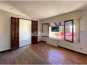 https://www.gallito.com.uy/hermosa-casa-de-4-dormitorios-a-dos-cuadras-de-gral-flores-inmuebles-18716917