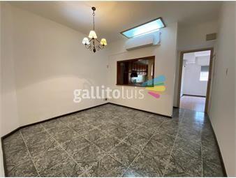 https://www.gallito.com.uy/apartamento-amplio-de-3-dormitorios-en-punta-carretas-inmuebles-18724669