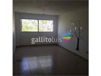 https://www.gallito.com.uy/mono-ambiente-en-rodo-y-gaboto-muy-amplio-prox-a-todo-inmuebles-18755634