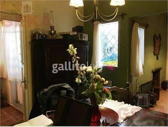 https://www.gallito.com.uy/oportunidad-casa-a-metros-de-tres-cruces-con-hermoso-fondo-inmuebles-18759172