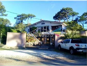 https://www.gallito.com.uy/casa-10-dormitorios-inmuebles-16380750