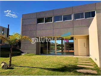 https://www.gallito.com.uy/venta-casa-3-dormitorios-seguridad-piscina-altos-inmuebles-16402124